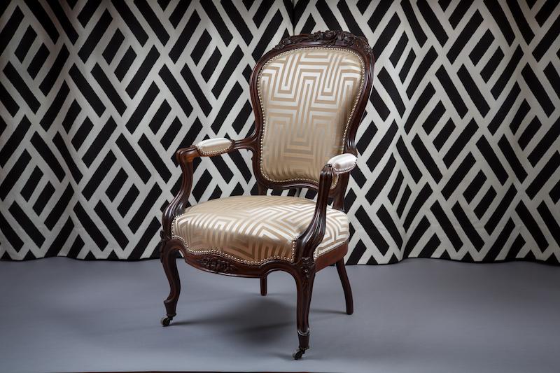 le coq le crapaud the decoralist. Black Bedroom Furniture Sets. Home Design Ideas