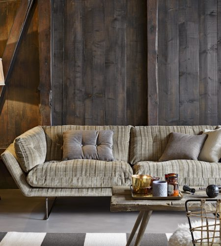 New York Suite sofa by Saba Fifth Avenue 30205_2, cushionsBrahms 30158_2, 11 Photos Gionata Xerra – Chalet Celerina St. Moritz – Collection Rubelli Venezia 2017