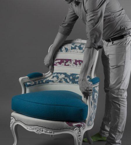 Fauteuil-Feutre Bleu, Blanc & Rose - Création Crédit photo : François Golfier